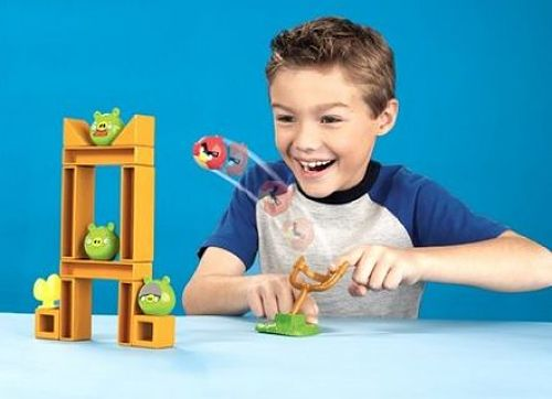 Angry Birds knock on wood game in action
